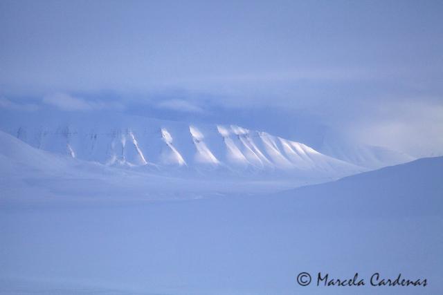 Marcela.Svalbard.Snowmountain.070